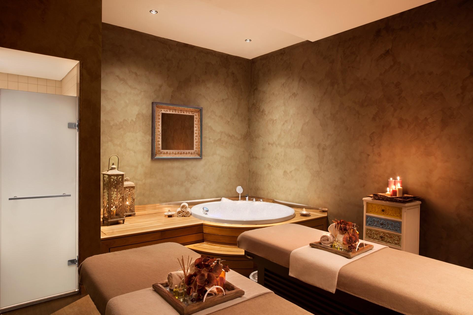 Akra Barut | Massage Room