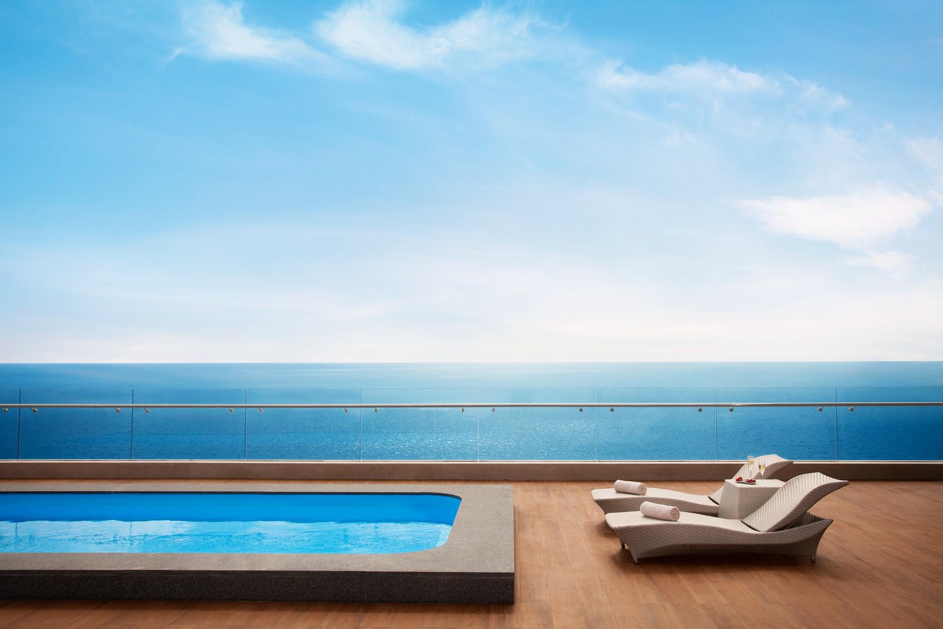 Akra Barut | Infinity Suite Pool