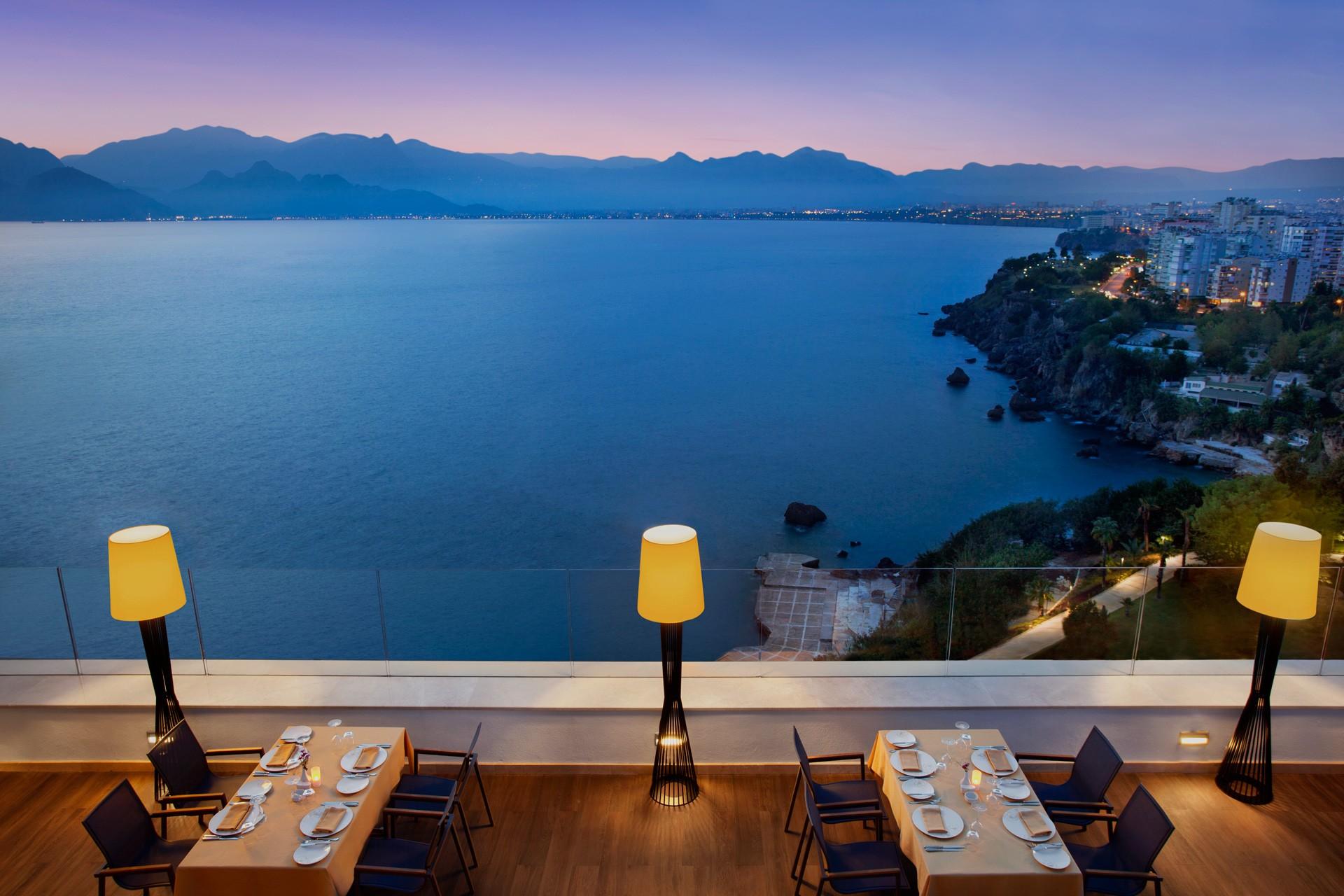Akra Barut | Asmani Restaurant Terrace